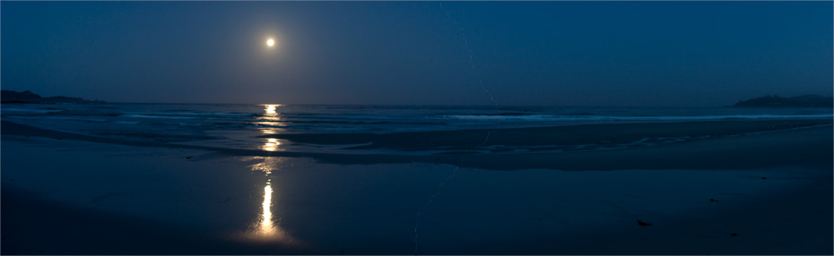 """Supermoon""-set over Carmel Bay"
