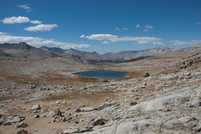 WNW to Summit Lake from Piute Pass, with the Glacier Divide left and the Pinnacles center.